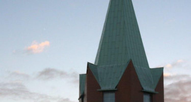 Una iglesia católica es tradicional para la celebración de la misa.