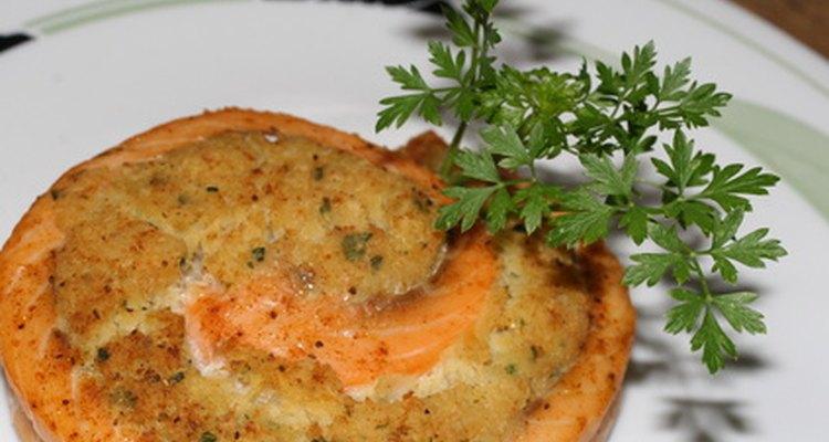 Los platos de gourmet a menudo requieren cortes especiales y formas de los peces.