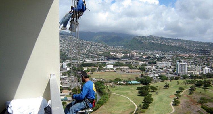 El miedo a las alturas no es una buena debilidad a marcar en una entrevista como limpiador de ventanas.