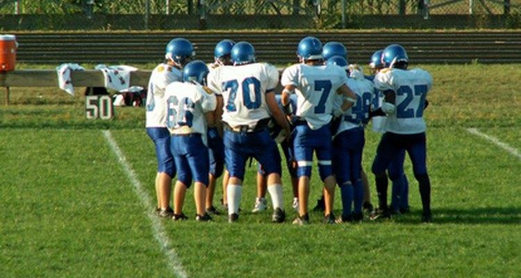 El trabajo en equipo en los deportes es fundamental para el éxito de un equipo.