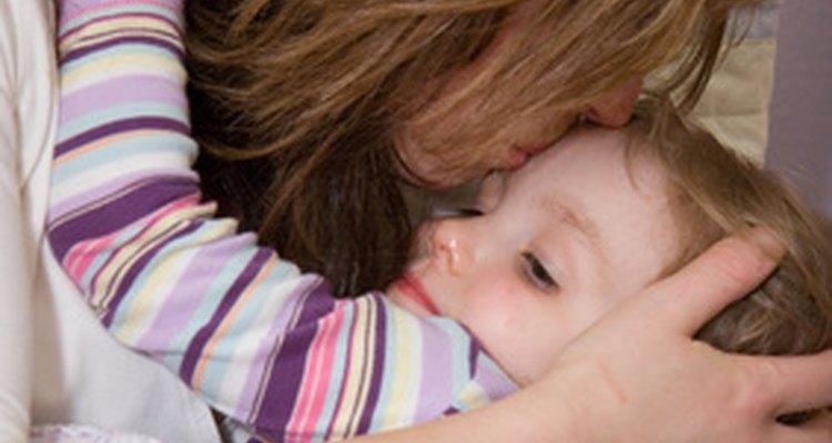 Otorgar herramientas de afrontamiento a tu hijo le ayudará a manejar las tensiones del crecimiento.