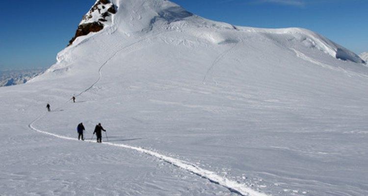 El esquí de fondo es una manera de disfrutar del aire libre en familia.