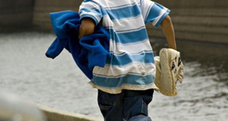 Proporciónale a tu hijo las herramientas necesarias para estar a salvo.