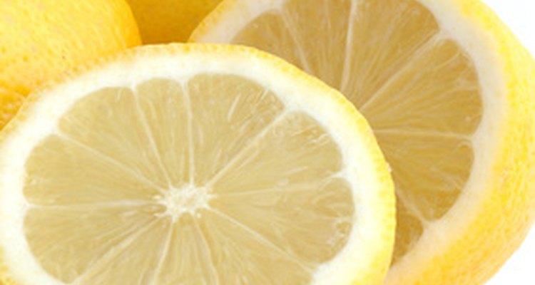 Los limones son ricos en ácido cítrico.