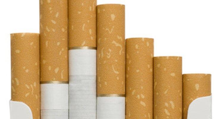 Os cigarros contêm uma substância chamada nicotina, e ela pode ser extraída