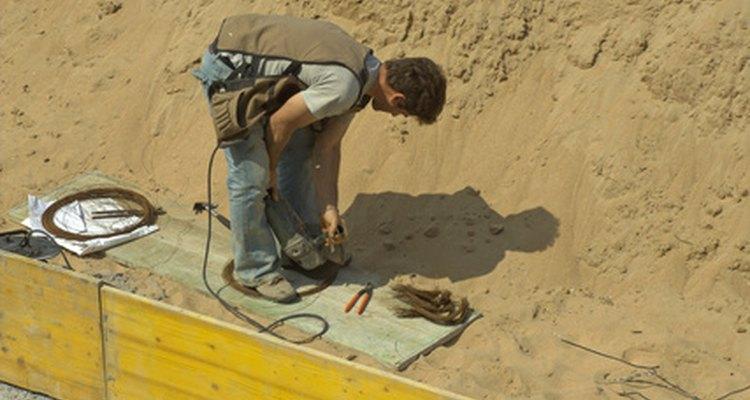 Las arenadoras son increíblemente eficaces en la eliminación de cal y óxido, y para el preparado de una superficie a soldar, pintar o restaurar.