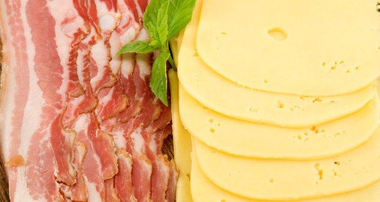 Tocino y queso.