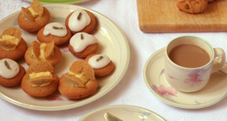 Los pasteles pequeños satisfacen a un goloso sin atiborrarlo.