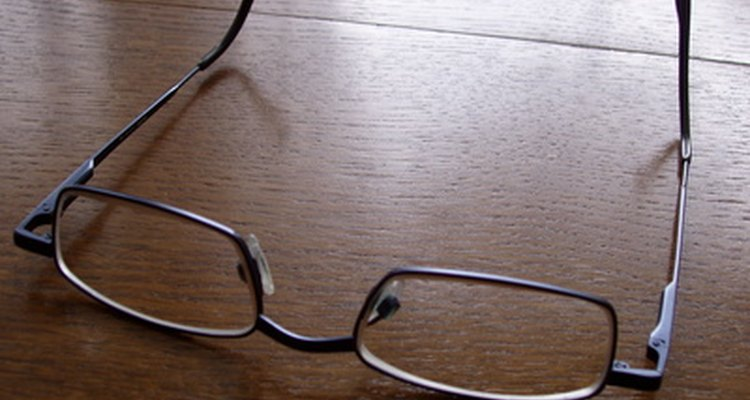 Remove the anti-reflective coating from eyeglasses at home.