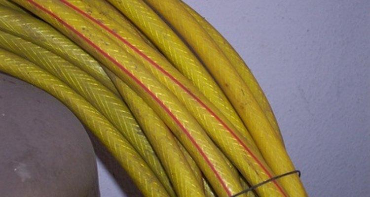 Diferentes tamaños de cables están clasificados para medidas de amperaje diferentes.