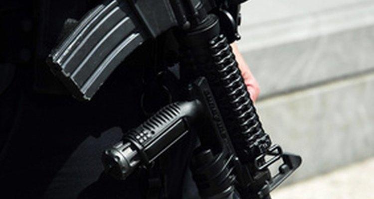 Aprende los requisitos para convertirte en un guardia de seguridad en Florida.