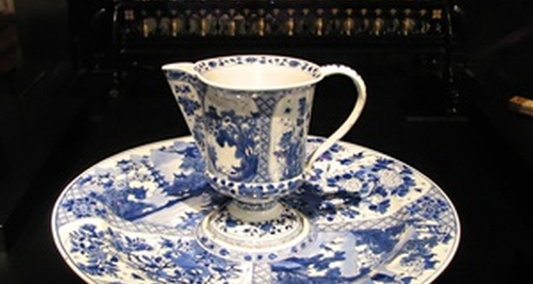 Porcelain tableware from Germany makes a perfect traditional gift.
