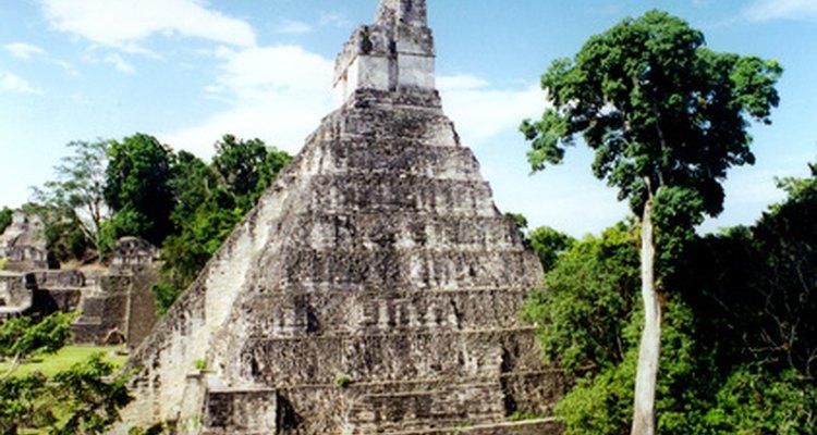 Guatemala abunda en pirámides mayas.