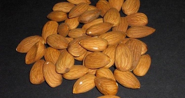 Las almendras contienen proteínas, calcio y vitamina E.