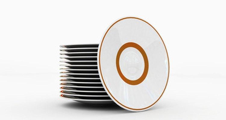 Los platos de plástico son utilizados ampliamente y vienen en muchas variantes.