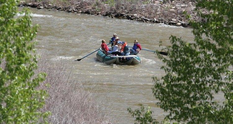 Navegar en balsa en el Colorado River es una aventura en si misma.