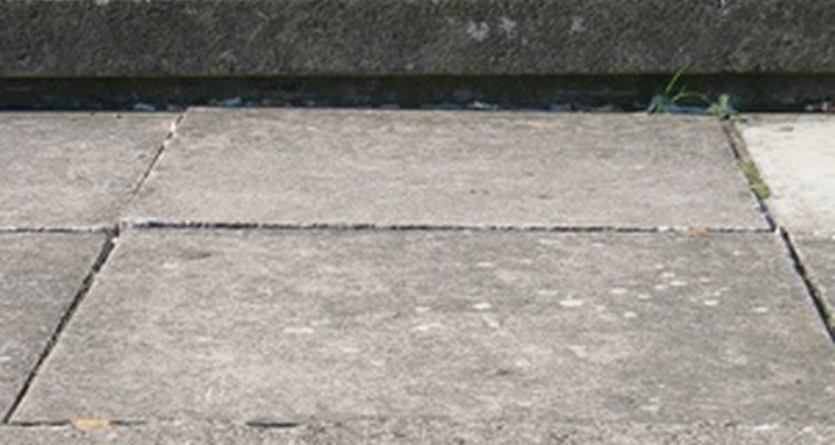 Concrete slabs have both pros and cons in your home.