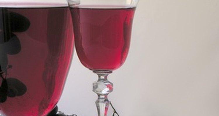 Aunque el vino añejo es una delicia, no abras la botella hasta que estés listo para tomar todo su contenido.