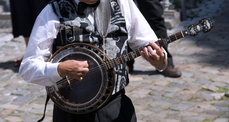 Armrests are used to provide comfort on a banjo.