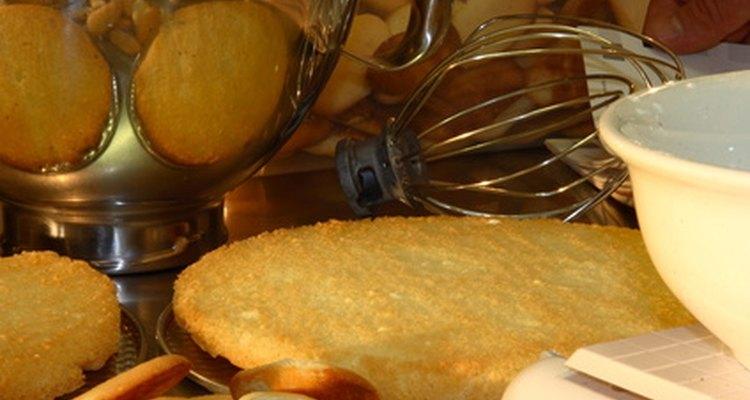 A farinha de trigo é o principal ingrediente em alimentos assados, como bolos, biscoitos e salgados