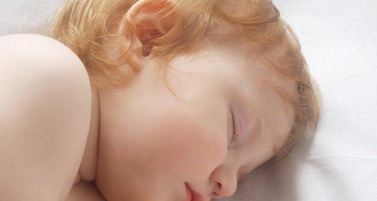 Hacer que tu bebé se duerma y permanezca dormido toda la noche es un hito importante.