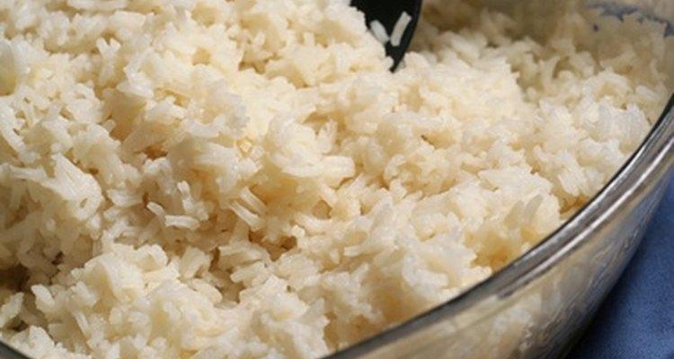 Crea tu propio bocadillo con las sobras de arroz.