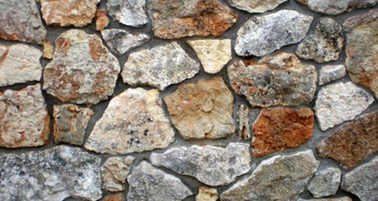 Paredes de pedra são sólidas