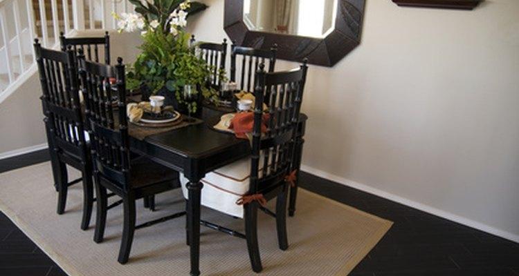 Existen varias maneras económicas pero efectivas de cubrir un piso.
