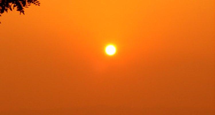 Um óculos de sol da Oakley de tamanho adequado fará que você tenha que forçar menos a visão