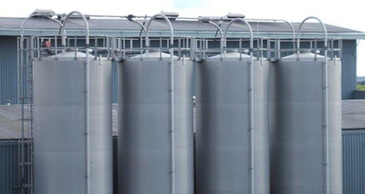 Grandes tanques de ácido fórmico se encuentran estratégicamente ubicados alrededor del mundo.