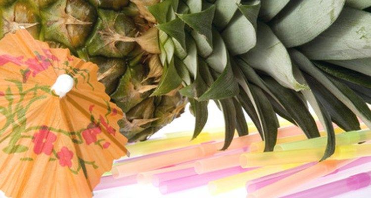 Suco de abacaxi, creme de coco e rum são ingredientes comuns nos drinques havaianos
