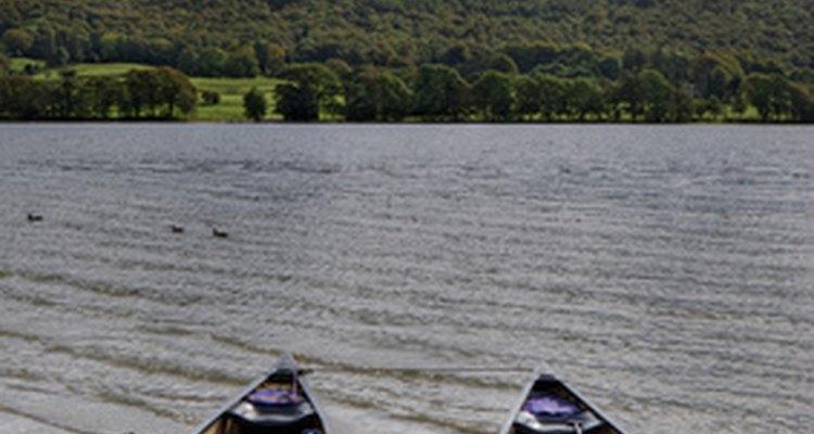 As canoas foram primeiramente utilizadas pelos índios para viajar