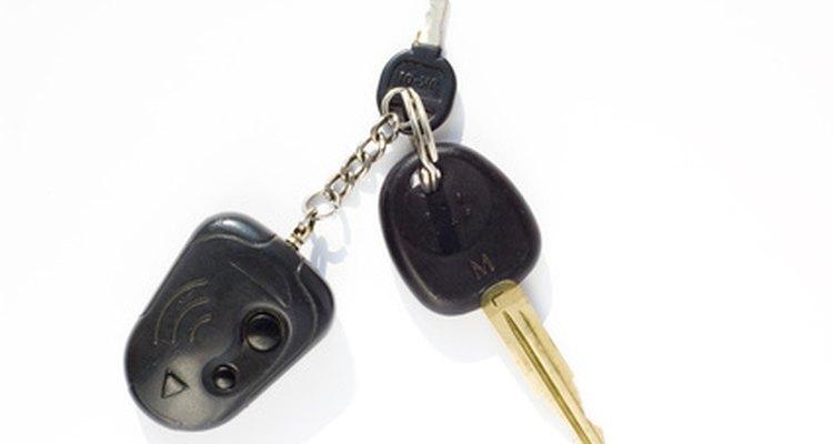Assegure-se de que a porta do motorista de seu Grand Cherokee esteja aberta ao programar seu controle remoto