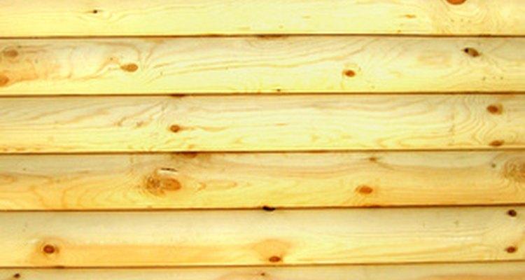O óleo mineral é um revestimento de madeira