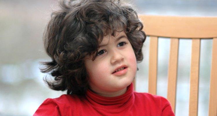 Ofrece a tu hijo muchas oportunidades para practicar habilidades de escucha.