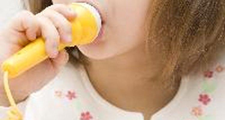 Faça um microfone personalizado para as crianças