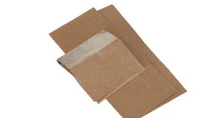 Utiliza papel de lija para los extremos.