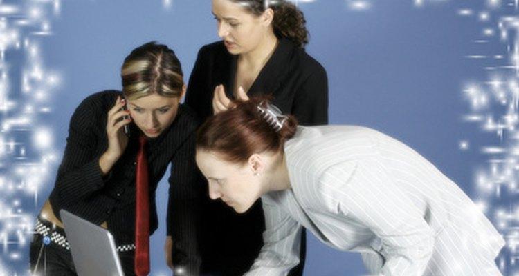El liderazgo juega un papel clave en una organización.