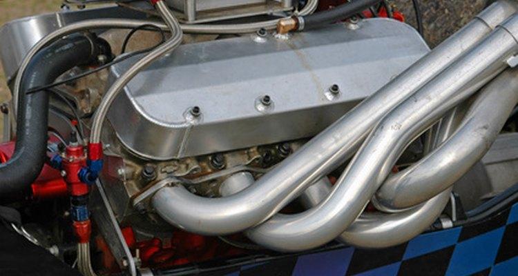 Los motores de carreras cuentan con diseños de cabezal máscomplejos para un flujo mejor.