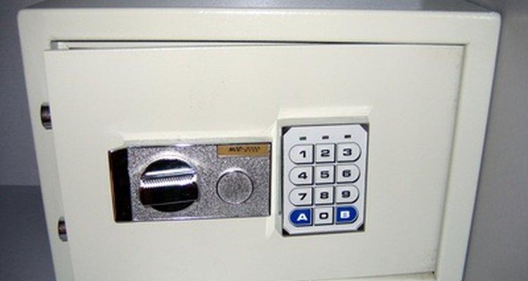 Una caja fuerte digital electrónica es fácil de manejar.