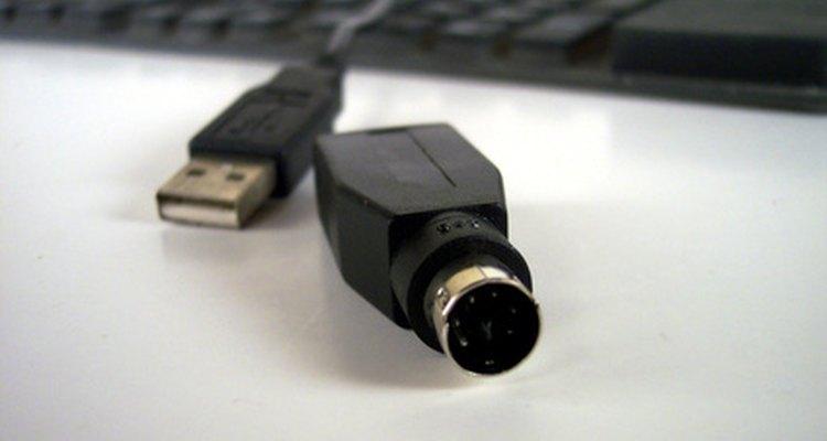 As portas PS/2 e USB são os tipos mais comuns nos teclados.