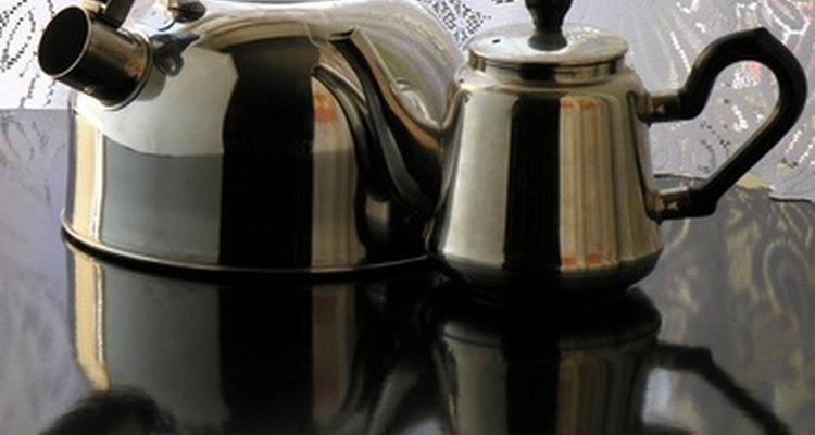 Stainless steel kettles do not rust.