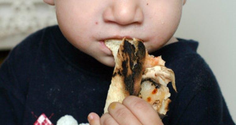 Los niños adoran la pizza casera.