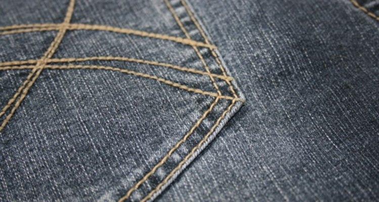 Los pantalones de corte recto y con corte de bota se deben usar en diferentes ocasiones.
