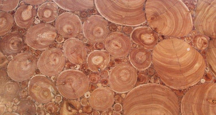 Preparar sua madeira antes de trabalhar com ela pode evitar rachaduras enquanto ela é girada