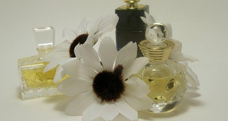 O óleo de fragrância precisa de outro solvente para ajudar a misturá-lo com água
