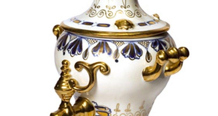 Elige una temática victoriana para tu fiesta de té en la cocina.