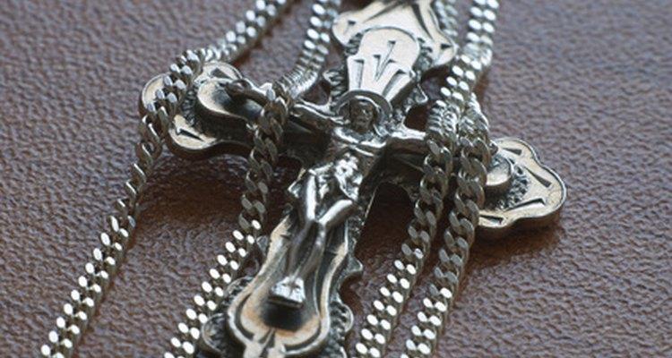 La joyería religiosa es un regalo que cautiva la mirada.