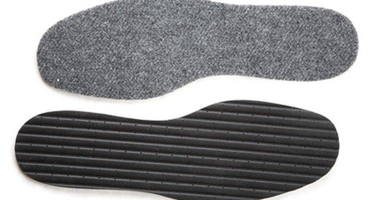 Es fácil hacer tus propias plantillas cómodas para los zapatos.