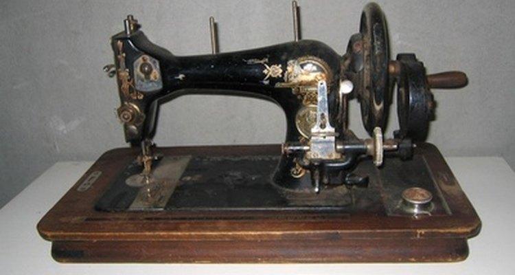 Venda sua máquina de costura antiga em brechós ou online